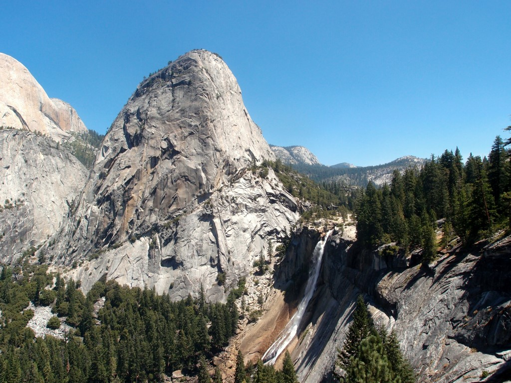 View at the Nevada Fall from the John Muir trail