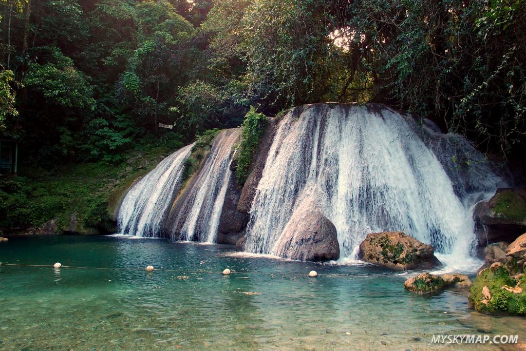 Reach Falls - main waterfall