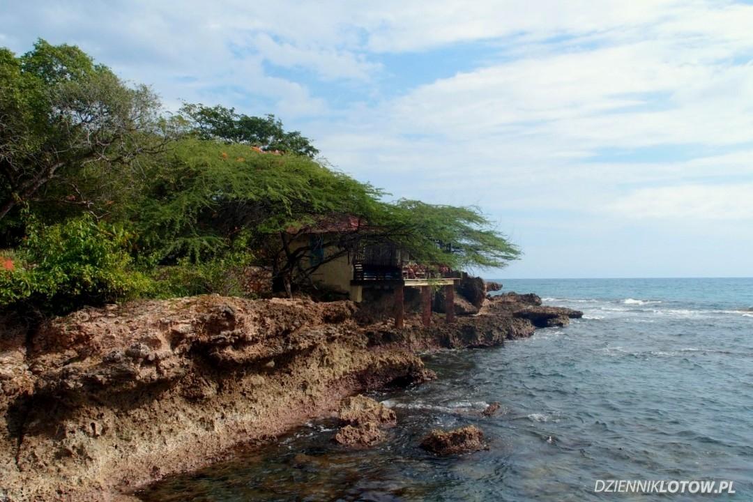 Treasure Breach - rocky coastline