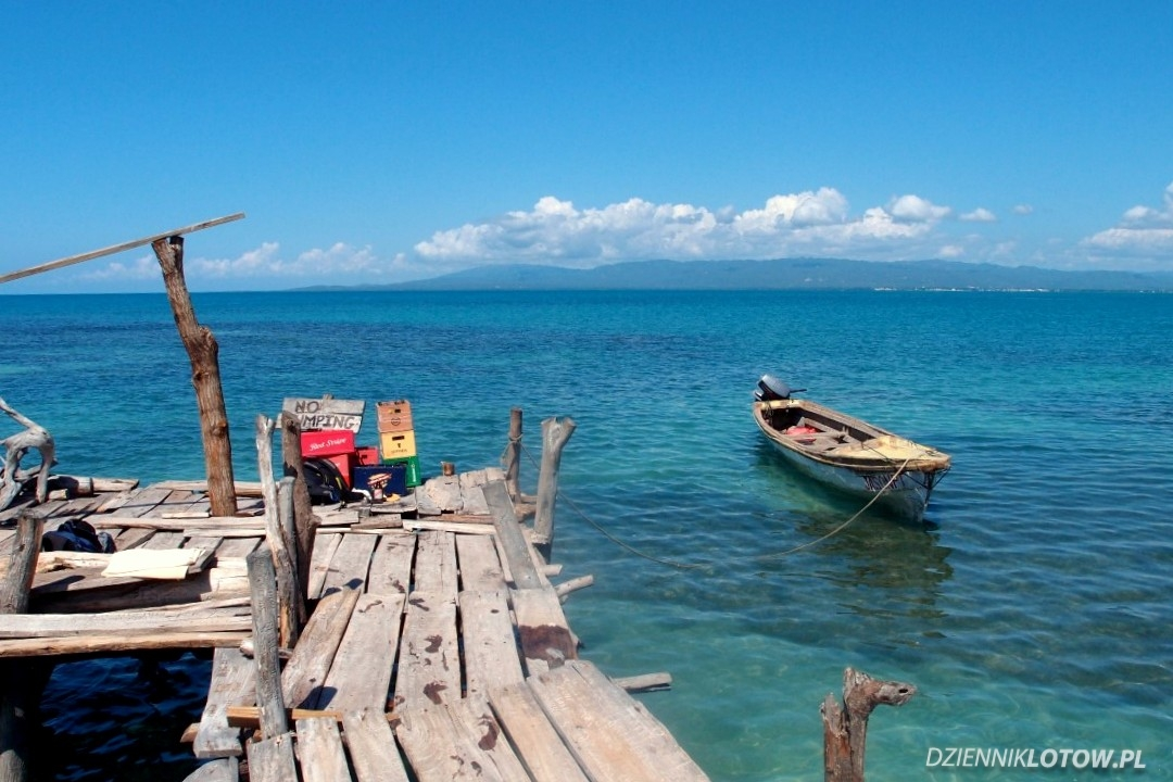 Floyd's Pelican Bar - boat stop